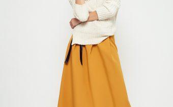 sweterki damskie w wyjatowych stylizacjach